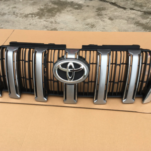 Toyota Land Cruiser Prado FJ150 2014 ~ 2016 Grille